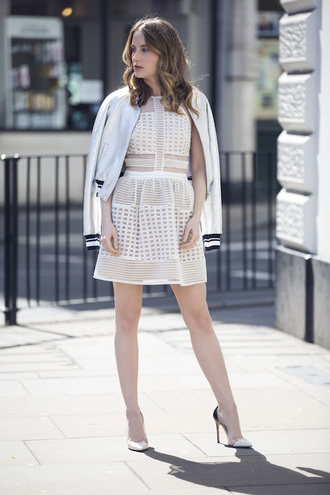 at fashion forte blogger dress jacket jewels shoes white dress white jacket lace dress white heels mini dress