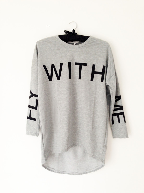 sweater streetwear urban streetwear 90s grunge soft grunge t-shirt graphic tee women tshirts celebrity style celebrity style steal slouchy sweater oversized sweater casual soft grunge hipster tomboy street goth streetwear grey t-shirt oversized t-shirt dope fashion urban outfitters apparel
