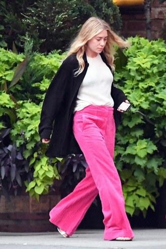 olsen sisters blogger sweater cardigan t-shirt pants