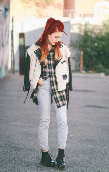 shirt blogger le happy jacket jeans DrMartens leather jacket fluffy