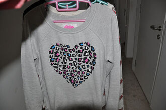 clothes leopard print heart heart sweater sweater grey pullover