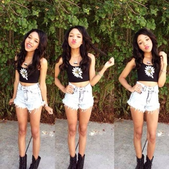 shirt black with white high waisted shorts light colo tank top cropped daisy im over black boots shorts kiss white pretty cute outfit style