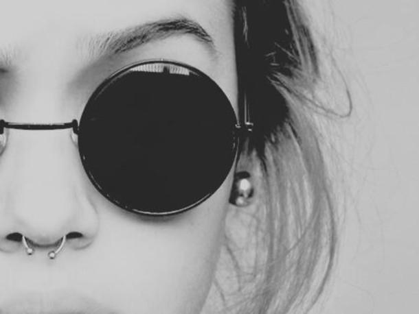 sunglasses lunette de soleil ronde noir petite wheretoget. Black Bedroom Furniture Sets. Home Design Ideas