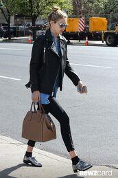 bag,gigi hadid,leather bag,accessories,leather tote bag,tote bag,style,fashion,new york city,model