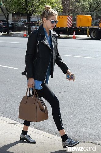 bag gigi hadid leather bag accessories leather tote bag tote bag style fashion new york city model