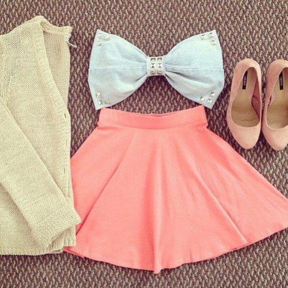 skirt pink noeud blanc bows cardigan high heels blue denim sweater shoes top shirt clothes skater skirt brown bow top skirt , top , sweater , shoes tank top blouse blue shirt bow bandeau