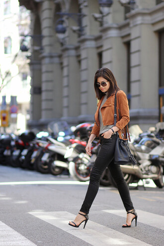 fake leather blogger suede jacket bucket bag black sandals