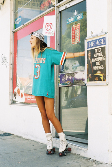 varsity sportswear dolphins t-shirt rollerblades oversized oversized t-shirt bracelets cap clothes vintage hipster hat