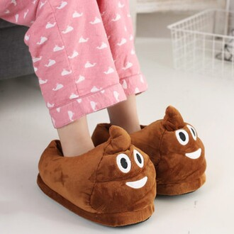 shoes slippers poo comfy funny fashion style sleepwear teenagers boogzel