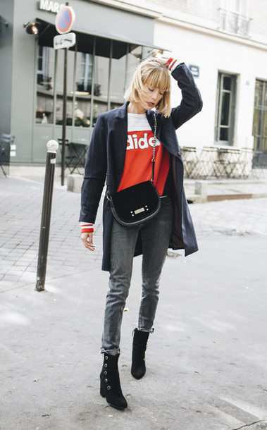 into your closet blogger coat sweater jeans shoes bag