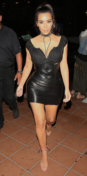 skirt,bustier,choker necklace,sandals,kim kardashian,all black everything,top,kardashians,mini skirt,sandal heels,high waisted,leather skirt,shoes,jewels,kim kardashian style,keeping up with the kardashians,black,black choker,necklace,jewelry,wrap choker,wrap necklace,celebrity style,celebrity,celebstyle for less