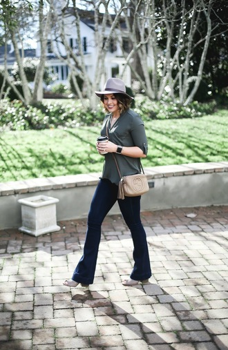 life & messy hair blogger shoes hat jeans bag jewels felt hat grey hat gucci bag flare jeans fall outfits