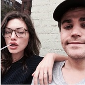 sunglasses,glasses,eye glasses,phoebe tonkin,nerd glasses,accessories,tortoise shell