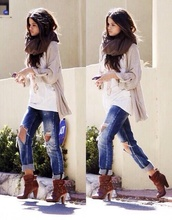 jeans,selena gomez,ripped,cute,shoes,sweater,pants,ripped jeans,scarf,boots