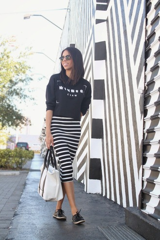 kqns style blogger striped skirt bodycon skirt black sweater maxi bag sweater skirt shoes sunglasses bag
