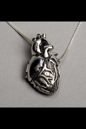 jewels,necklace,heart jewelry,silver necklace,bag