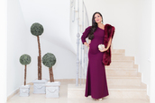 crimenes de la moda,blogger,dress,scarf,jewels,bag,shoes,fur scarf,maternity,maternity dress,gown,purple dress,clutch,sandals