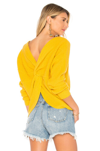 sweater back yellow