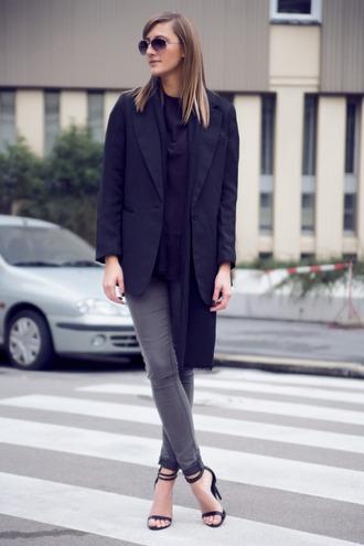 blogger sandals katiquette blazer navy grey jeans