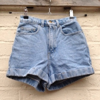 shorts denim shorts denim high waisted shorts high waisted jeans hair accessory t-shirt