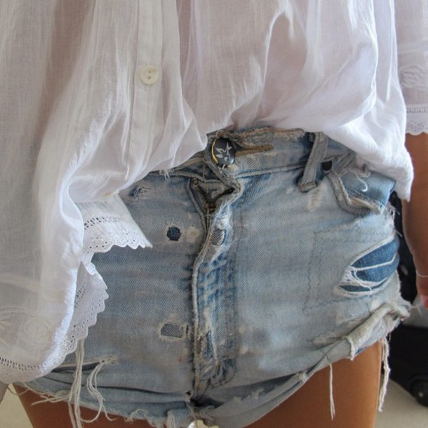 shorts jeans blue shorts white top