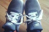 shoes,grey,nike,skateboard,nike running shoes