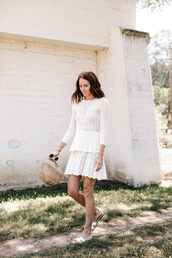 dress,white dress,slide shoes,bag,sunglasses,sweater dress