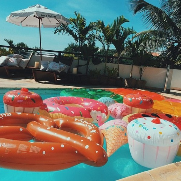 60 water sports inflatable swimming pool 3 for Huge inflatable swimming pool