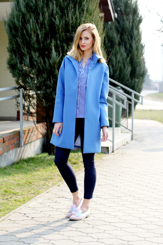 beauty fashion shopping blogger blue coat skinny jeans striped shirt loafers pink shoes
