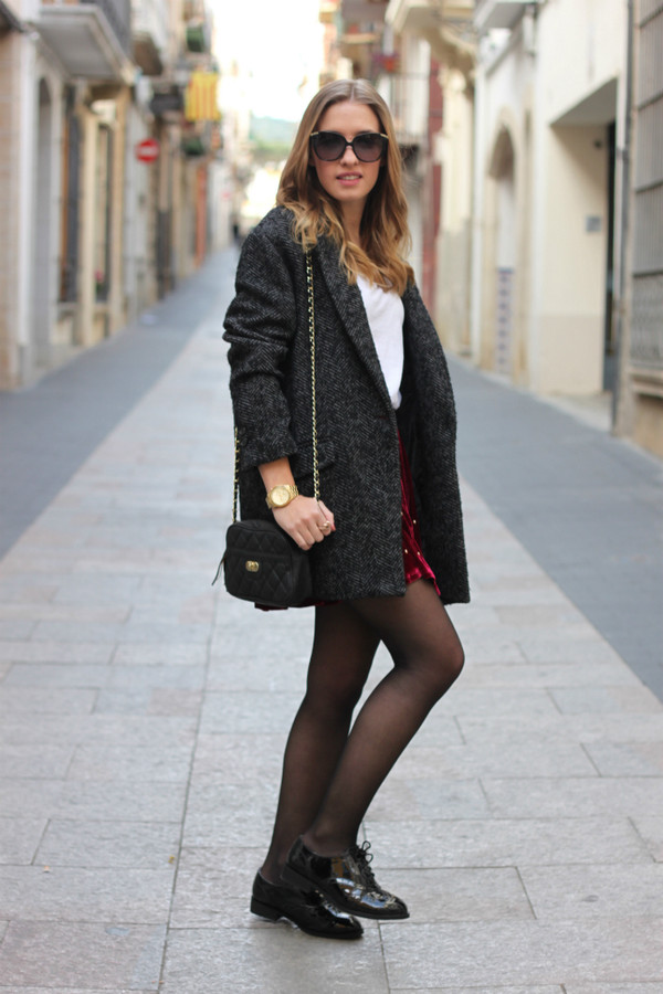 say queen coat t-shirt skirt jewels sunglasses bag shoes