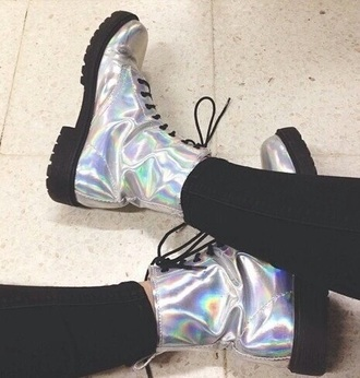 shoes boots metallic metallic shoes tumblr grunge grunge girl tumblr girl drmartens doc martins holographic