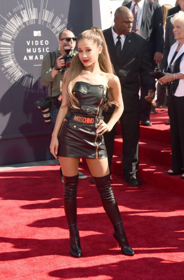 ariana grande shoes vma dress