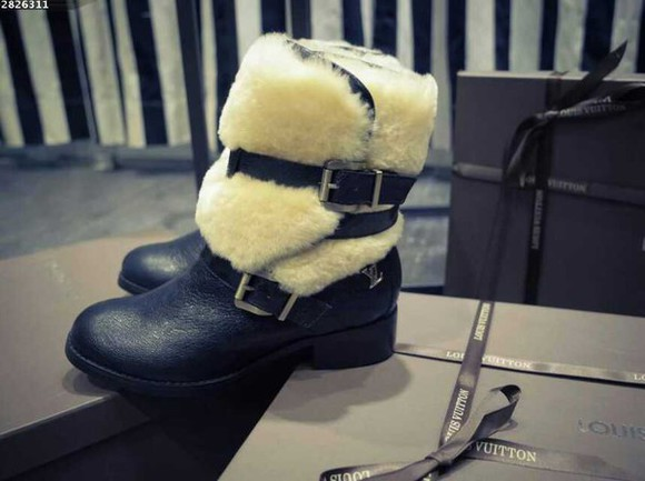 lovely style louis winter boots fur boots blogger must have brandshopp13 louis vuitton folowes folowers