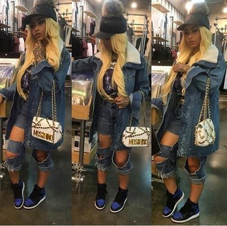 jeans india westbrooks denim jean on jean jordans moschino bag black hat blonde hair ripped queen of slay light skin jawns ?3 illy nation illnation bad bitches link up no basics ripped jeans blue jeans
