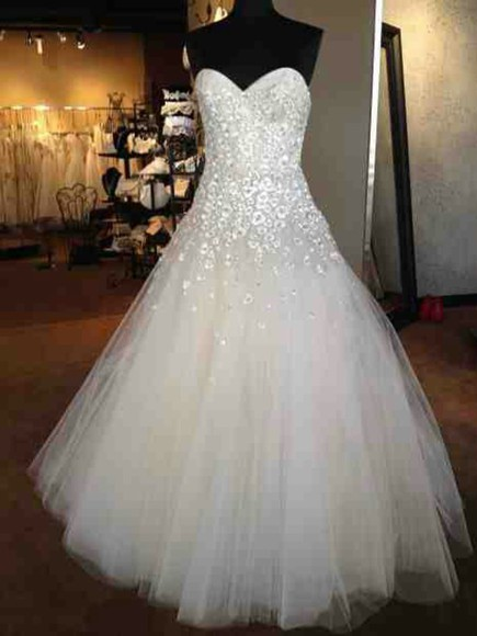 dress sparkle dress wedding dress wedding clothes sparkles white dress tulle sweatheart neckline tulle skirt