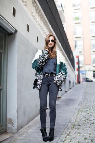 blogger lady addict jeans sunglasses fluffy cardigan denim shirt black boots