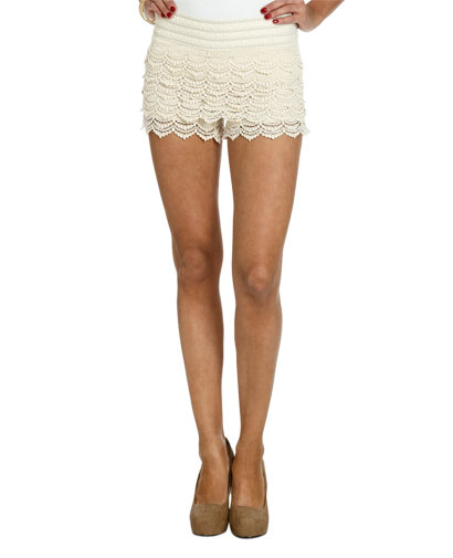 Novelty tiered crochet short