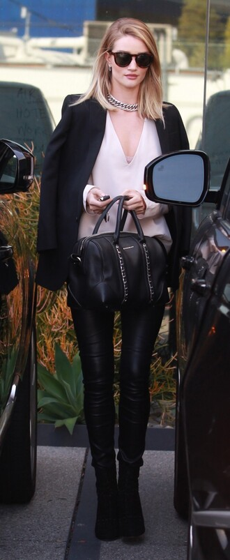 blouse necklace rosie huntington-whiteley leather pants leather leggings black blazer black bag white top black boots model model off-duty