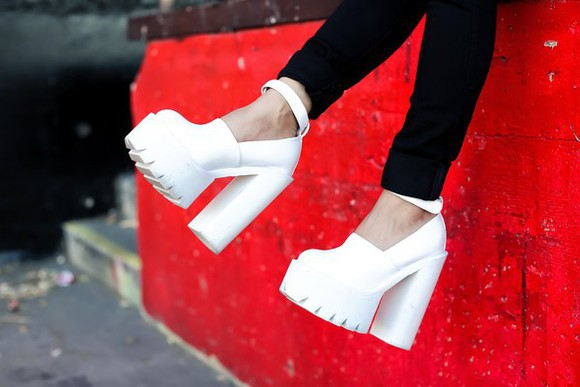 shoes platform shoes pumps platform high heels jeffrey campbell white shoes cleated sole blogger cleated sole clubwear feral creature