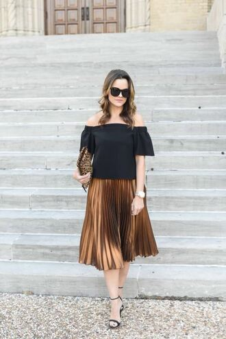 live more beautifully blogger metallic skirt midi skirt pleated skirt off the shoulder top metallic pleated skirt