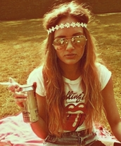sunglasses,hipster girls,floral headband,the rolling stones,denim shorts,festival,shirt,jewels,hat,t-shirt,band t-shirt,hippie,boho,flower crown,shorts,summer,hair accessory,fashion,summer outfits,summer fashiion,daisy,white,cute,bad ass but sweet,rolling stones t shirt