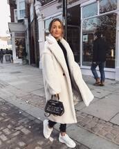 coat,teddy coat,oversized coat,white coat