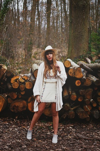 fringe and frange blogger dress hat knitted cardigan folk