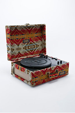 Turntables & Speakers - Urban Outfitters