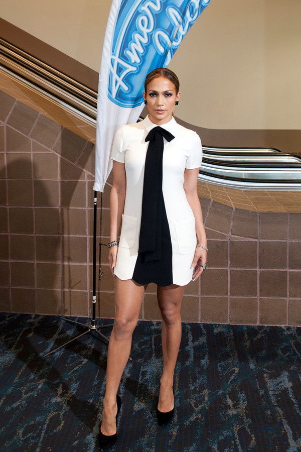 dress jennifer lopez black and white dress shoes