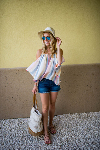 katie's bliss - a personal style blog based in nyc blogger top shorts hat bag shoes jewels