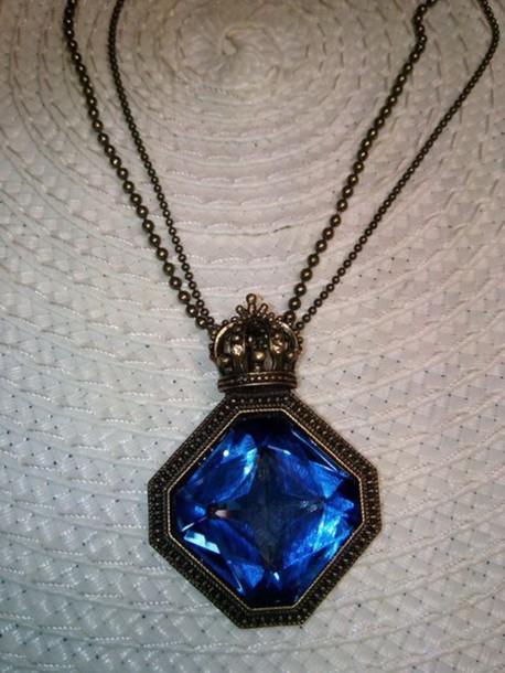 jewels blue stone crown pendant