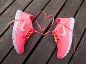 shoes,nike,nike air force,air max,nikefree,nike free run,nike runs,pink,heart,swag,hipster,just do it,salmon,yellow,running,workout,nike running shoes