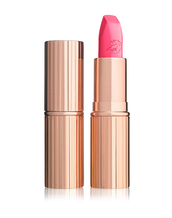 make-up,lipstick,celebrity style,charlotte tilbury,pink lipstick,pink,nude,nude makeup