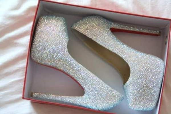 shoes heels heel white heels elegant heels heels for a party party shoes prom shoes laboutine sparkle sparkling shoes sparkling heels bag newcrystalwave newcrystalwavehighheels newcrystalwavebling silver and red heels